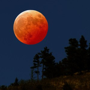 Red-Moon